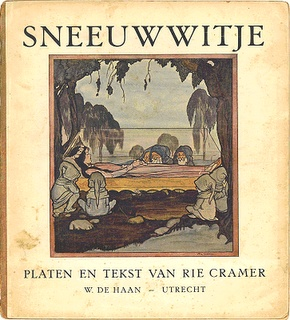 Snow White by Marie (Rie) Cramer born in Sukabumi (Java, Indonesia) on 10 October 1887  Died in Laren on 18 July 1977 . She was a Dutch illustrator and designer