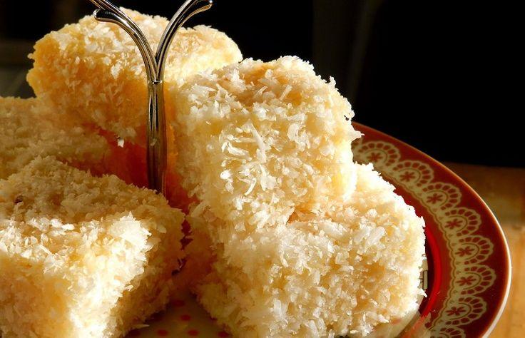 Confira receitas de bolo gelado com diferentes modos de preparo, com frutas ou chocolate para você saborear uma sobremesa refrescante.