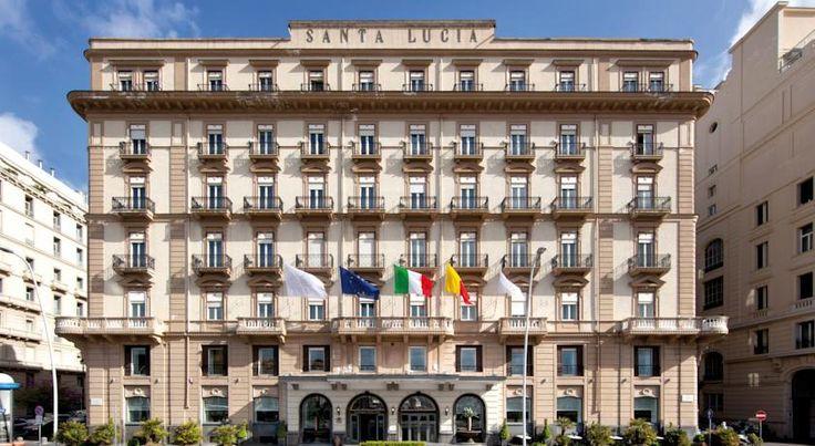 泊ってみたいホテル・HOTEL|イタリア>ナポリ>20世紀初頭に建てられたエレガントなホテル>グランド ホテル サンタ ルチア(Grand Hotel Santa Lucia)