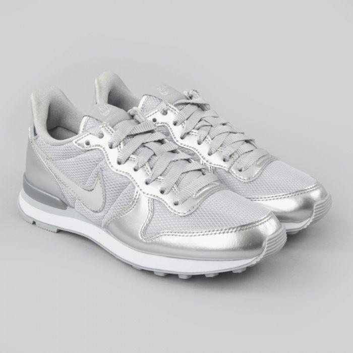 Nike Internationalist Silver