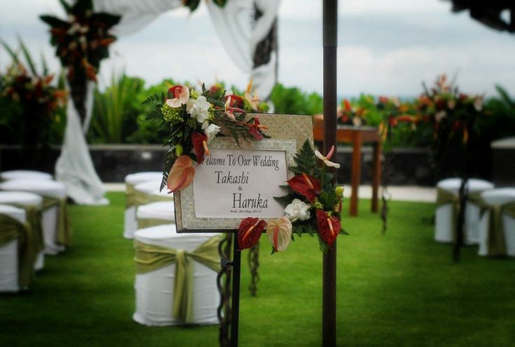Simple wedding at Anapuri Villas