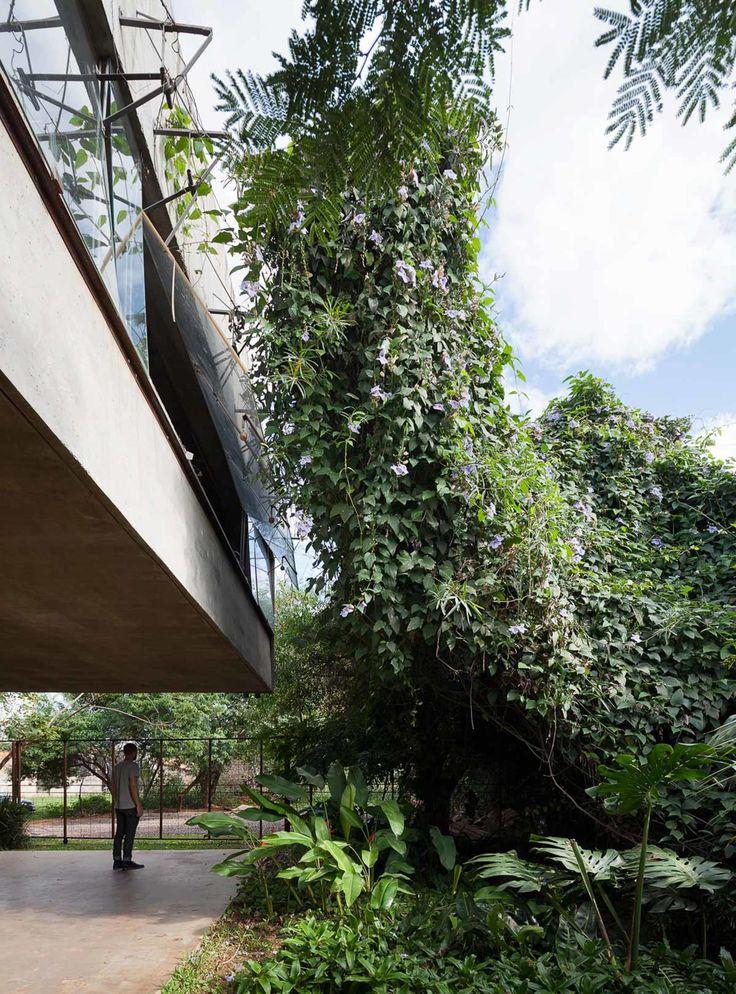 TDA, Federico Cairoli · House in the Air