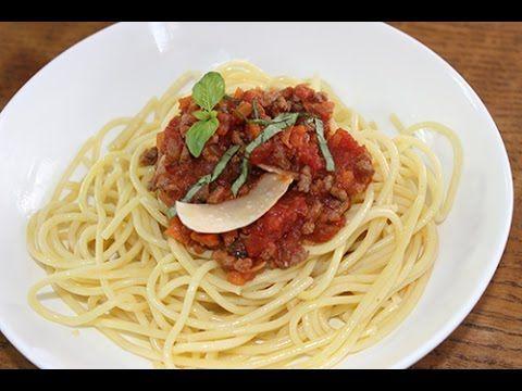 Un grand classique dont on ne se lasse pas : les #Spaghettis à la sauce #bolognaise !  Nous vous donnons toutes nos astuces. Buon appetito !