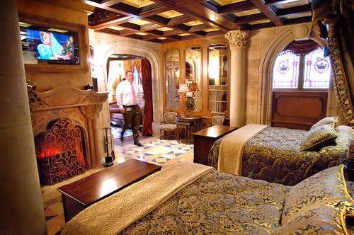 I Wanna Stay In Cinderellas Castle Suite At Disneyworld Bucket List Pinterest Cinderella