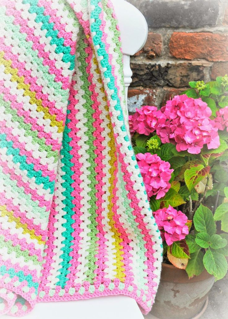 Lemonade Crochet Afghan Pattern : Helen Philipps: In the Pink [such beautiful colours - no ...