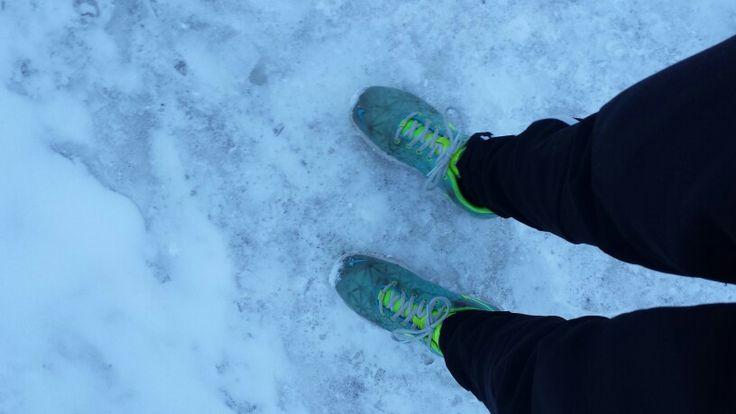 Måske lidt tidligt - men så dejligt ikke at have støvler på (1. Gang i over et halvt år) marts16