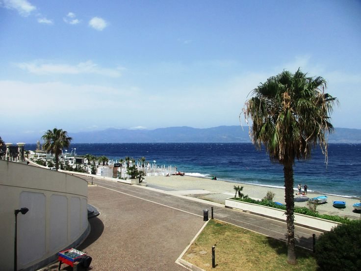 Tyrhénské moře - Reggio - Kalábrie - Itálie