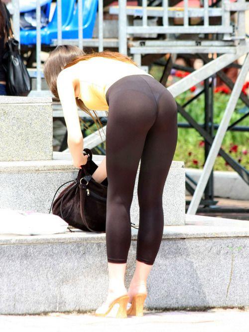 leggings candid