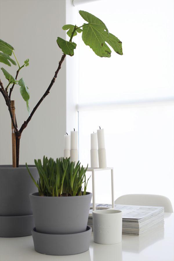 DIY - Ikea Ingefära pots painted with grey