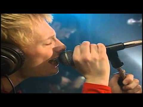 Radiohead - My iron lung (Live Bullet Sound Studio, 2 meter session) - YouTube