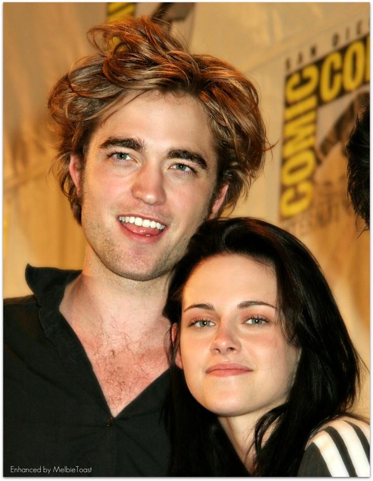 Robert Pattinson and Kristen Stewart at ComicCon in San Diego, California, Summer 2008.