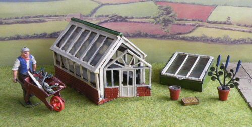 Britains-54mm-lead-Farm-Garden-GREENHOUSE-COLD-FRAME-GARDENER-BARROW
