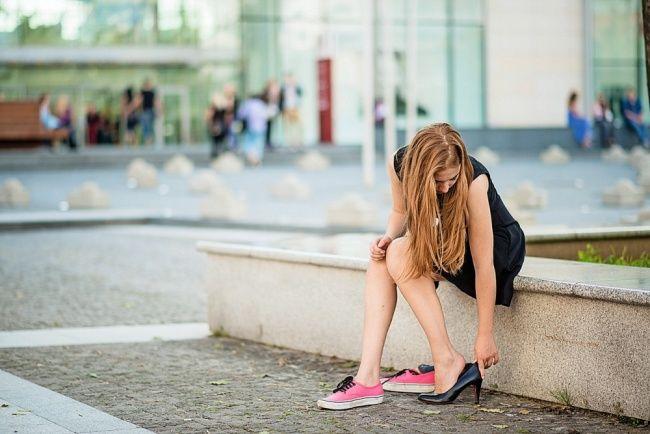 Obeťou vysokých podpätkov alebo boľavý život s krivým palcom...