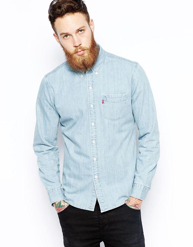 Jeanshemd von Levi's aus 100% Baumwolldenim Button-Down-Kragen aufgesetzte Brusttasche abgerundeter Saum eng geschnitten