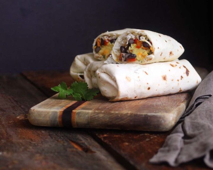 Easy breakfast burrito recipe filled with rice, black beans and an egg #burrito #breakfast // Endurance Zone