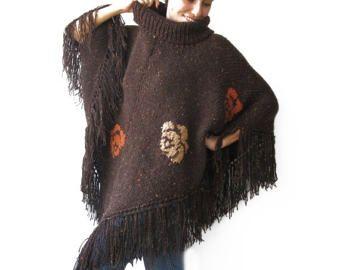 Tweed Beige mano Poncho de punto con capucha