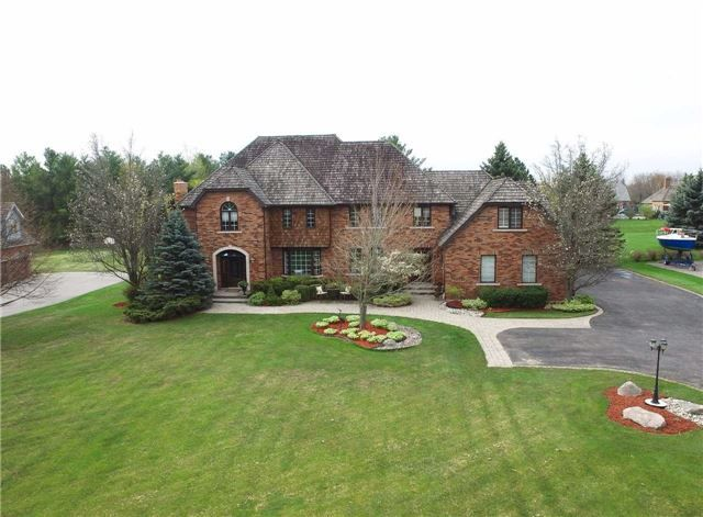 Luxury 4600 Sq.Ft Deer Creek Estate Situated On 1.3 Acres Including A Backyard Oasis