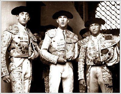 carlos arruza   Manolete, Arruza y Gitanillo de Triana