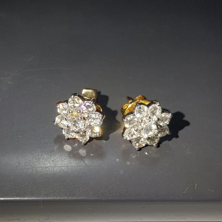Giwang emas berlian Mode Lotus abadi. Hrg cuci gudang. Toko Perhiasan Emas Berlian-MJ,Jakarta +628118455779/DC9E309C Cp.Tri. #emas#berlian#investasi#gold#fashion
