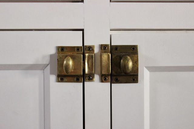 kitchen cabinet door latches 25 best ideas about inset cabinets on clean 5286