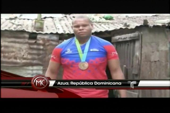 Un Año Después Y Josué Encarnación Ganador De Medalla De Bronce De Los Juegos Panamericanos 2015 Recibe Casa Prometida Por Presidente Medina