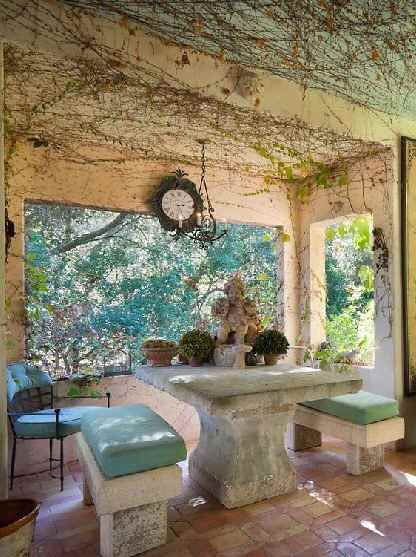breakfast nook and protected outdoor garden space, note this on my A list of places to create in the morning for client