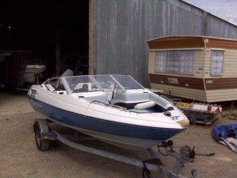 Remorque et bateau BAYLINER 1700 CAPRI BOWRIDER