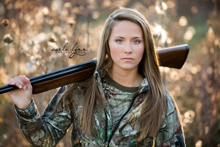 This senior girl loves to hunt... Carla Lynn Photography