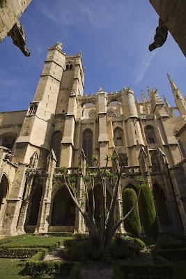 Narbonne, la cathédrale St Just et St Pasteur. www.audetourisme.com