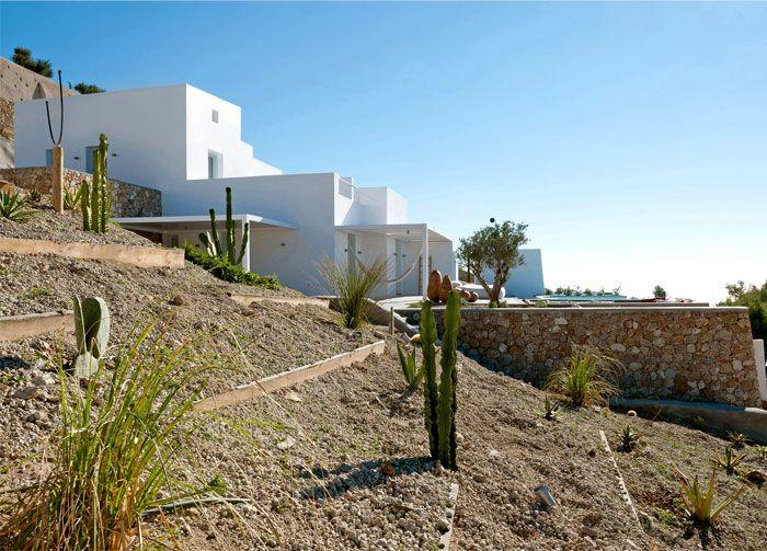 Holiday Home on the Santorini Island by Kapsimalis Architects