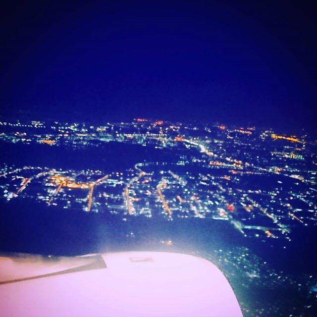Instagram【sayasaya0416】さんの写真をピンしています。 《タイとミャンマーに海外旅行 夜の飛行機の窓ぎわは最高でした(-´∀`-) #タイ#ミャンマー#ヤンゴン#yangon#bangoku#バンコク#飛行機#海外旅行#初めての海外旅行#HOTEL#写真#飛行機#景色#夜景#綺麗#最高#宝石#町#空#フライト#夜の飛行機#幻想的》