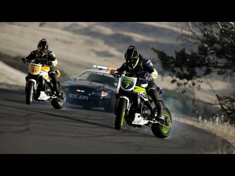 Motorcycle Vs. Car Drift Battle 2: Here Come The Cops