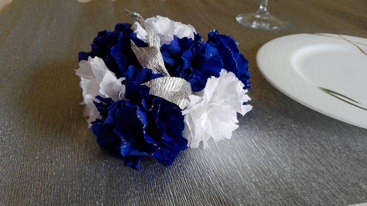 Centrotavola - bouquet matrimonio - centro tavola matrimonio - cerimonie - fiori cartacrespa di LECREAZIONIDIMARICA su Etsy