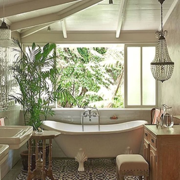 This looks like a perfect location to take a moment to relax and enjoy one of soothing Bath Teas and a clay mask. I'm thinking BB No.3 Soothing Bliss along with our Pure White Clay Mask. This lovely setting can be found at @theislandhouses @nikoleramsay