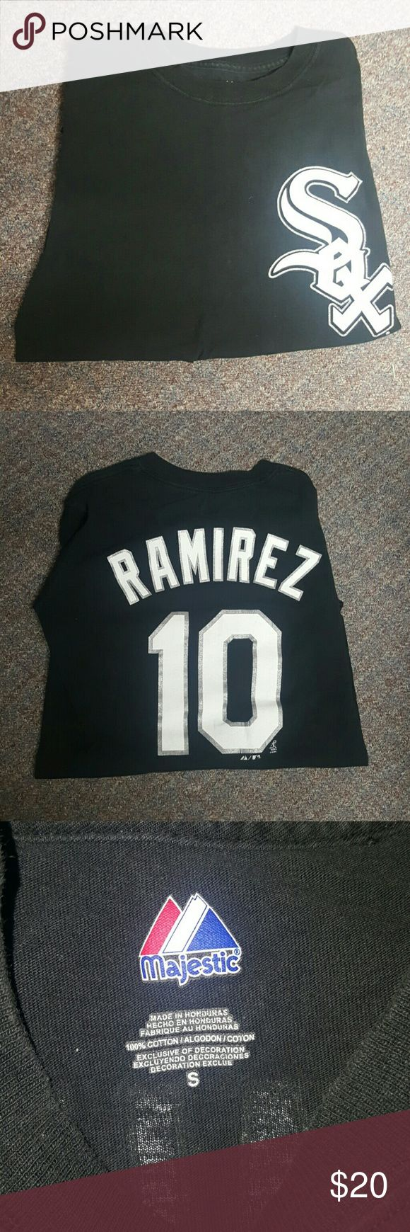 Chicago White Sox Alexei Ramirez T-Shirt Very good condition! Fits true to size! Absolutely no flaws! Great tshirt! Great for the biggest Chicago White Sox fans! Majestic Shirts Tees - Short Sleeve