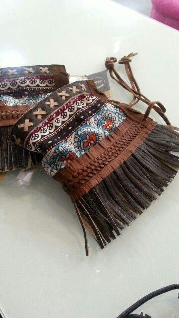 Decorabotas.  Add some flair to your boots~