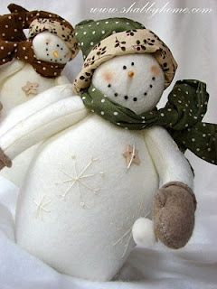 *SNOWMEN ~ beautiful felt snowmen