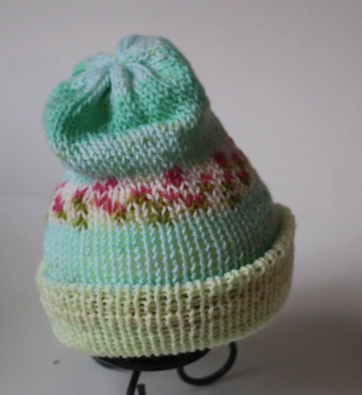 Reversible double knit hat by MaureyKnits on Etsy https://www.etsy.com/ca/listing/501895189/reversible-double-knit-hat