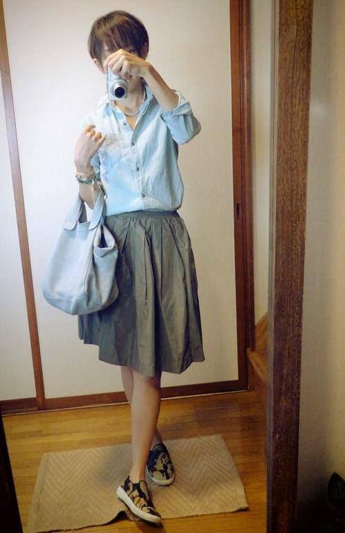 9月2日 GAPダンガリーシャツにカーキフレアスカートとSENBA秋の新作