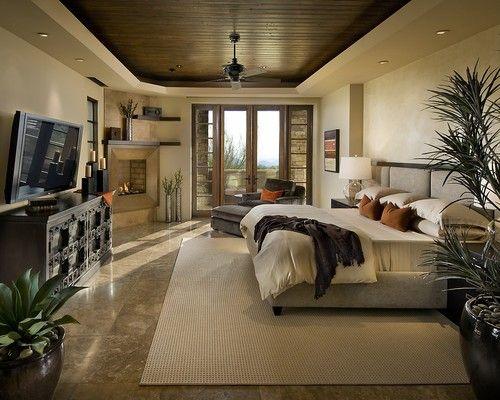 Die Fach Decke Dieser Creme Farbige Schlafzimmer Zeigt Eine Polierte Dunkle Getfelte
