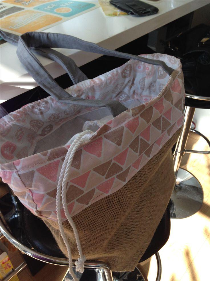 Premier Lunch Bag en toile de jute et coton.