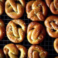 miniature soft pretzels – smitten kitchen