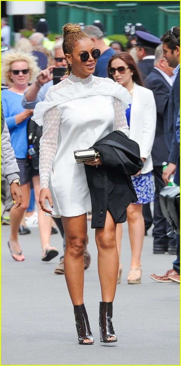 Beyonce & Jay Z Watch Serena Williams' Wimbledon Win!: Photo #3702245. Beyonce and Jay Z watch from the stands as their friend Serena Williams wins the tournament at the 2016 Wimbledon Lawn Tennis Championships on Saturday (July 9)…