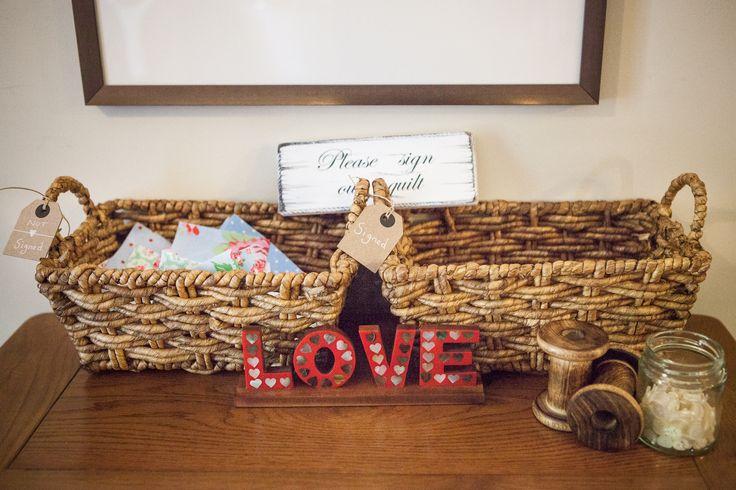 Novel Wedding Gifts: 1000+ Ideas About Wedding Guest Quilt On Pinterest