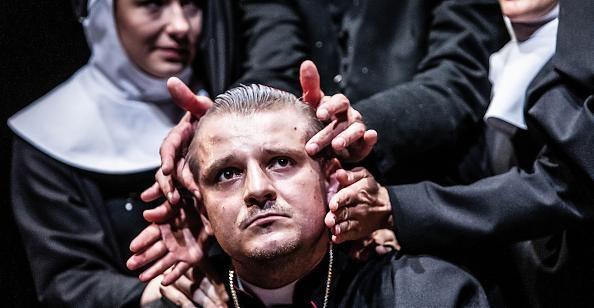 Teatr Nowy w Poznaniu / Remigiusz Brzyk , Testament psa