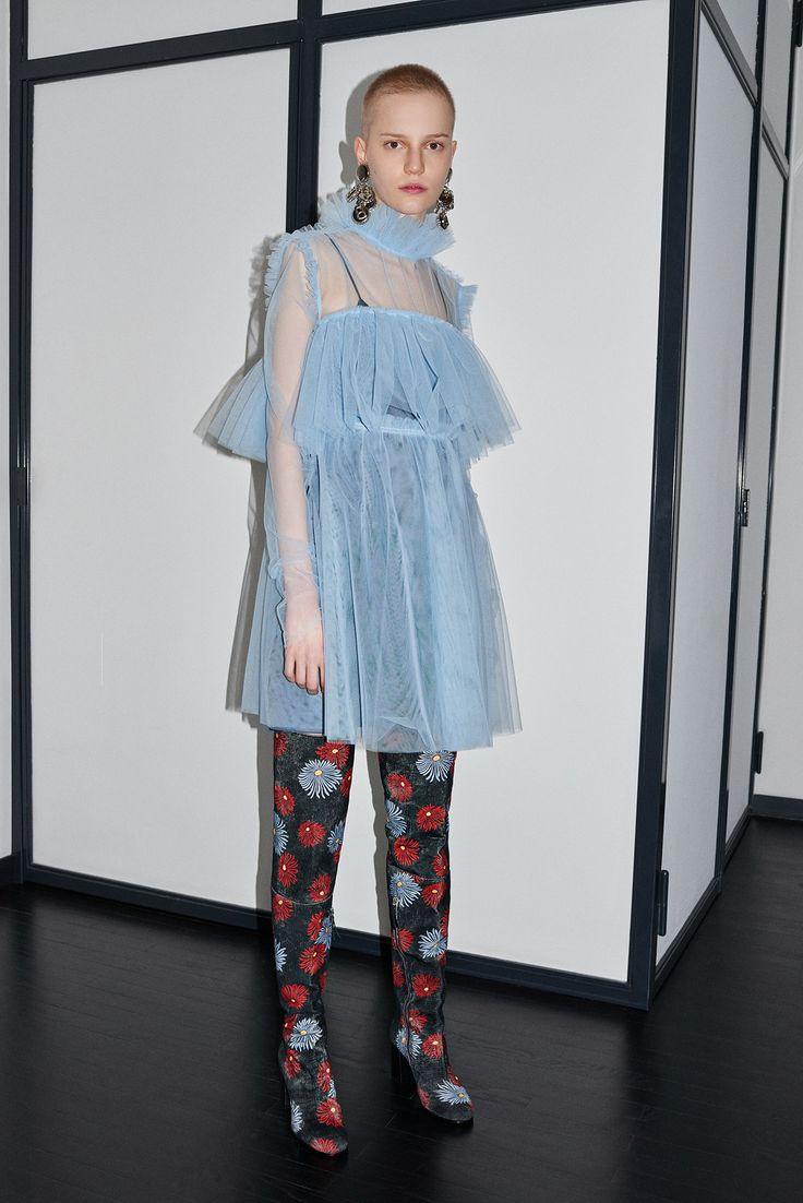 MSGM Pre-Fall 2016 Collection Photos - Vogue