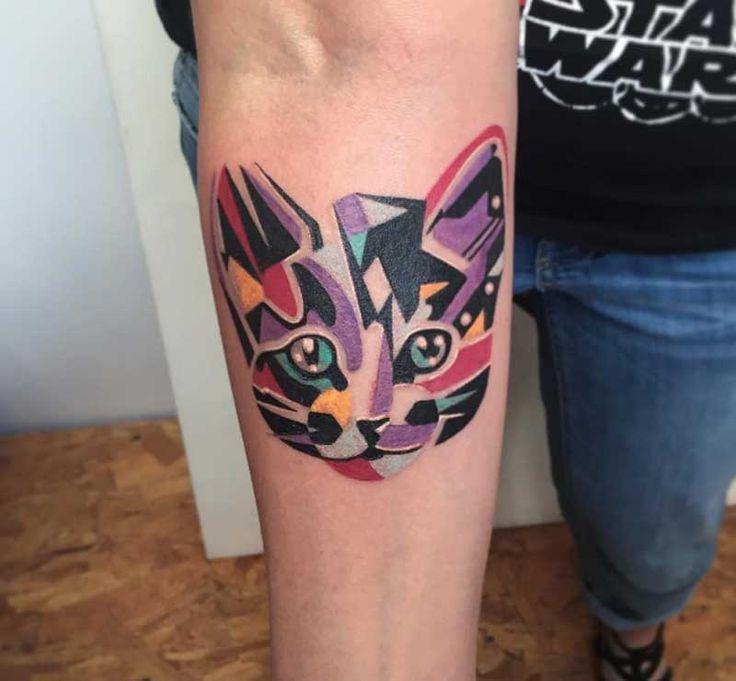 Dövme, bazı insanlar tarafından sadece bir aksesuar gibi düşünülürken bazıları için adeta yaşam stilidir. Nasıl görülürse görülsün son zamanlarda dövme yaptırmaya artan bir merak var. Bu ilgiden dolayı dövme yaptırılan figürlerin çeşitliliği de artmış durumda... Birbirinden ilginç tasarımlı kedi dövmeleri ajanimo.com'da.. #ajanimo #ajanbrian #hayvan #animal #kedi #cat #tattoo #dövme