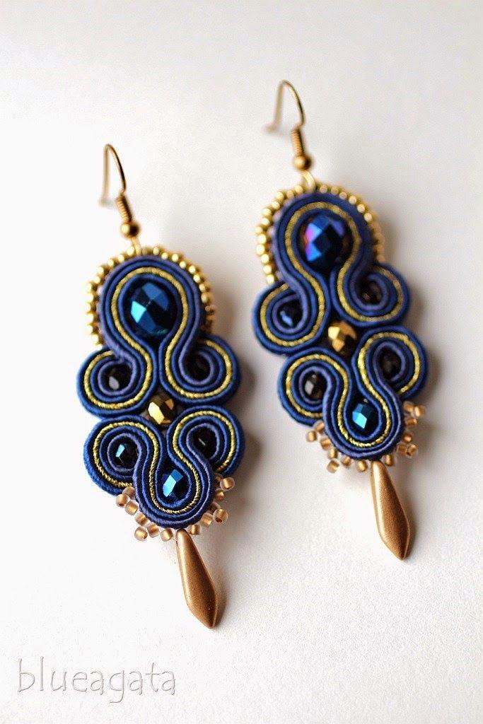 blueagata: Gold & navy blue soutache earrings - very elegant.