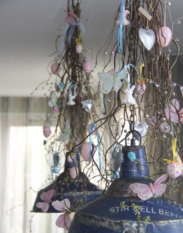 Paasdecoratie,  hangende bos decoratietakken Naturel, verkrijgbaar op webshop www.decoratietakken.nl
