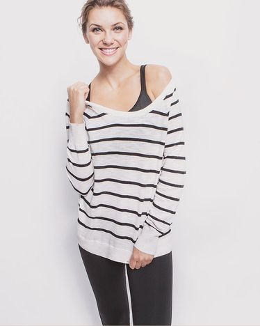 striped sweater. Oversized thin pullover. Nautical. Stripes. Navy. Leggings. Jeggings. Off the shoulder. Tank. Casual. Glam.